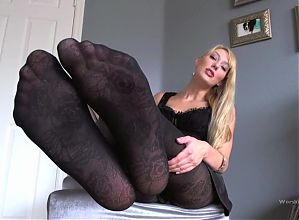 Beautiful Goddess in Pantyhose