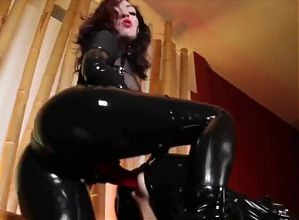 Goddess Cybill Troy and her pet
